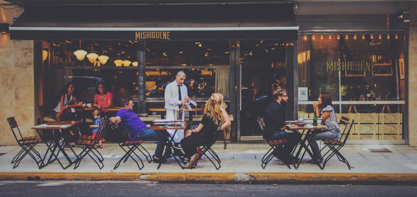 5 rzeczy, którychWłosi nieznoszą przy stole