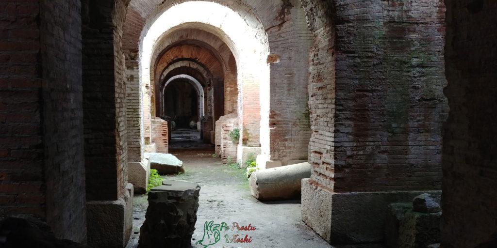 kapua_amfiteatr_podziemia